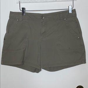 DJNY size 10 grey shorts